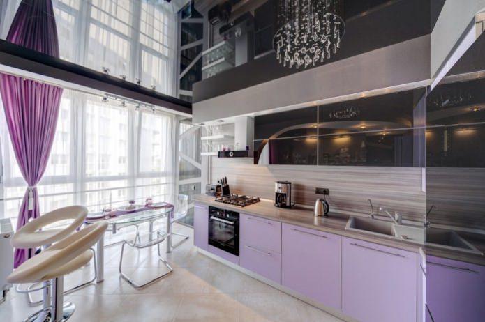 Варианты дизайна натяжных потолков на кухне
