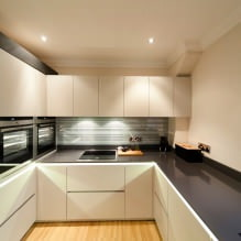 Дизайн белой кухни с черной столешницей: 80 лучших идей, фото в интерьере - 66