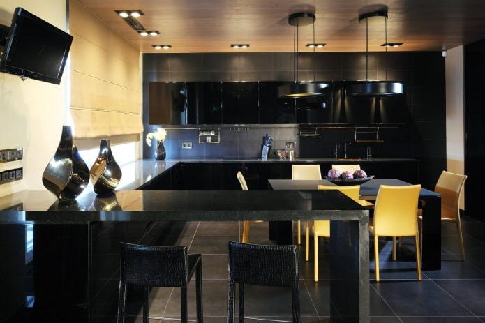 Черный гарнитур в интерьере в кухне: дизайн, выбор обоев, 90 фото
