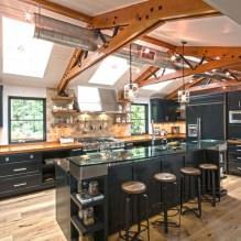 Черный гарнитур в интерьере в кухне: дизайн, выбор обоев, 90 фото - 78