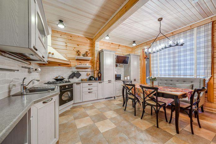 шторы для деревянных стен