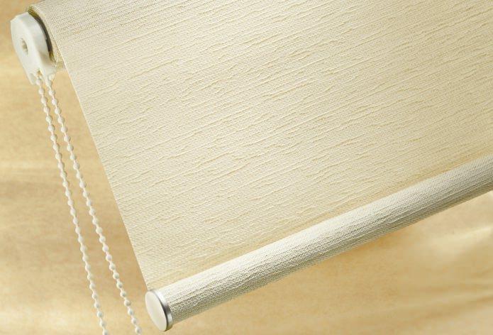 Как выбрать ширину рулонной шторы на окно, способы обрезки своими руками