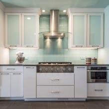 Белый кухонный гарнитур: особенности выбора, сочетания, 70 фото в интерьере - 55