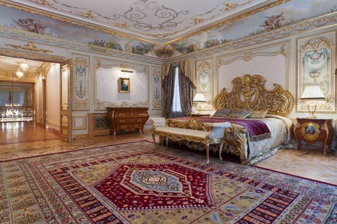 Стиль барокко в интерьере квартиры: особенности дизайна, отделка, мебель и декор