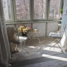 Обои на балконе или лоджии: какие можно клеить, выбор цвета, идеи дизайна, фото в интерьере-3
