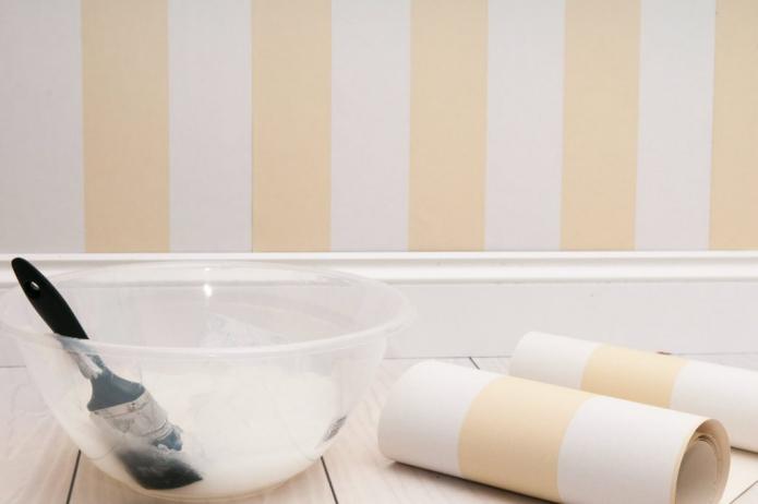 Как клеить бумажные обои: инструменты, клей, подготовка стен, пошаговый мастер-класс