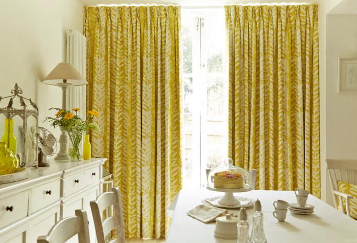 Желтые шторы в интерьере: виды, ткани, цвет, дизайн, декор, сочетание с цветом обоев