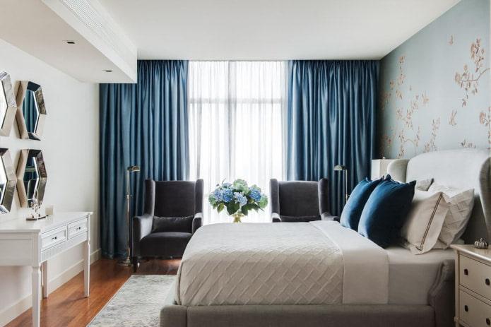 Синие шторы в интерьере: виды, ткани, оттенки, рисунки, сочетания, декор