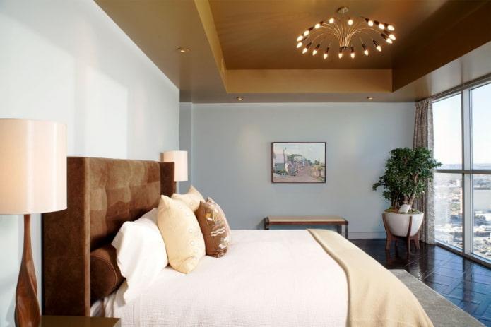 Коричневый потолок: дизайн, виды (натяжной, гипсокартонный и др), сочетания, освещение