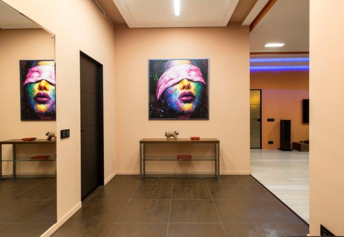 Как выбрать картины в прихожую и коридор: виды, темы, дизайн, выбор места размещения