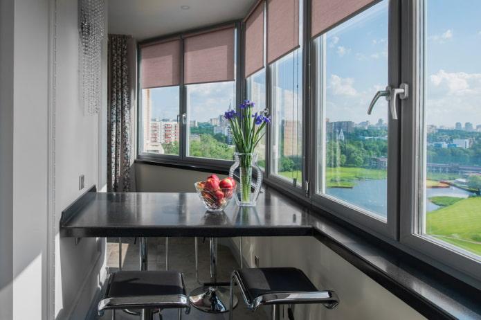 Барная стойка на балконе: варианты расположения, дизайн, материалы столешниц, декор