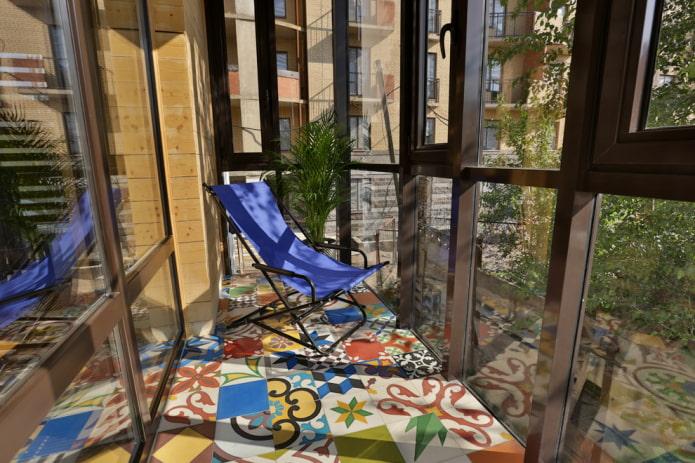 Как выбрать плитку на балкон или лоджию? Виды, дизайн, цвет, примеры раскладки.