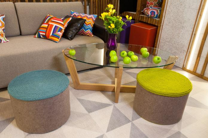 Пуфики в интерьере: виды, цвета, материалы, формы, дизайн, примеры в разных стилях