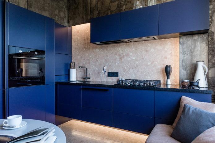 Синяя кухня 63 фото кухонный гарнитур темно-синего цвета в интерьере его сочетание с желтыми серыми и другими тонами Варианты дизайна