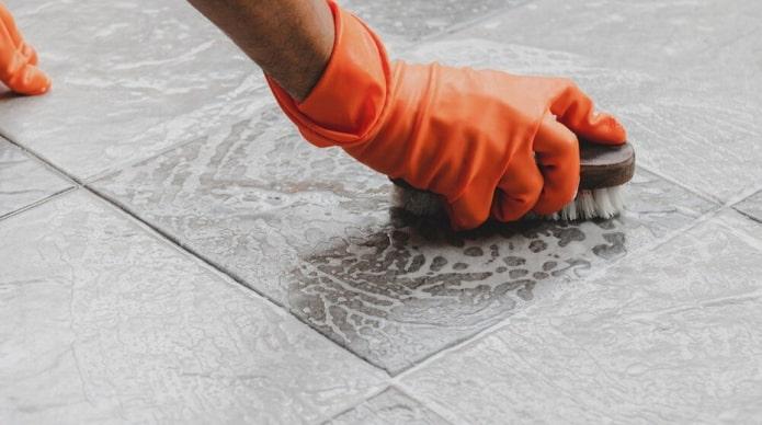 Чем отмыть плитку после ремонта?