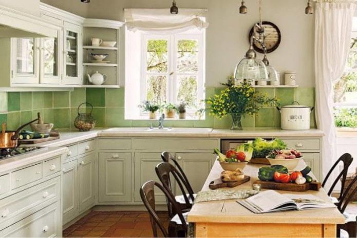 Оформляем дизайн кухни в частном доме