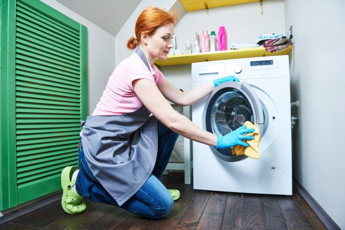 Как почистить стиральную машину домашними средствами?