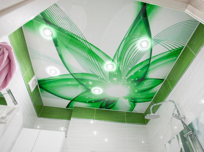 Натяжной потолок в ванной: плюсы и минусы, виды и примеры дизайна