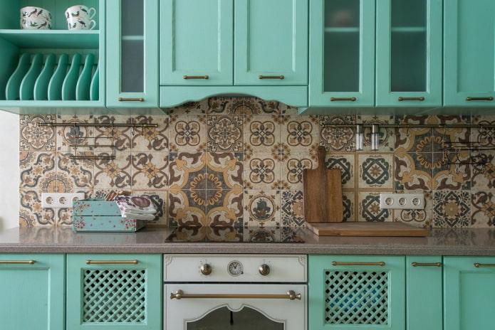 Особенности дизайна кухни в мятном цвете