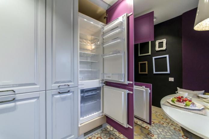 Как встроить холодильник в кухонный гарнитур?
