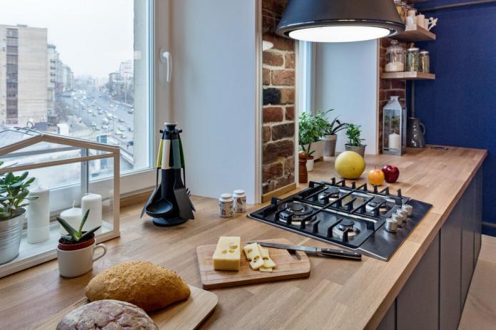 Дизайн кухни с деревянной столешницей