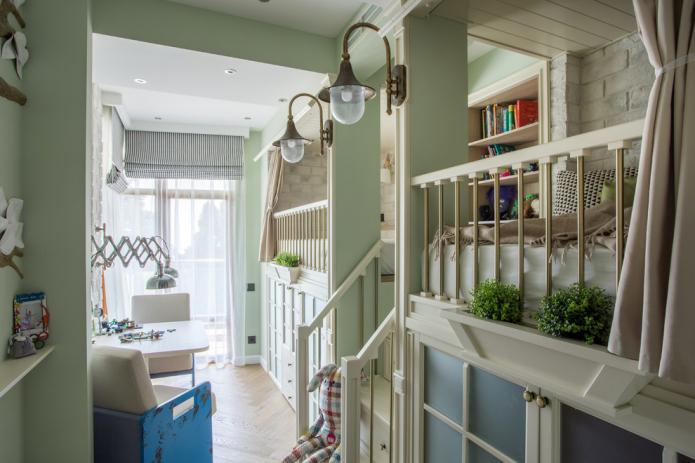 Как обустроить узкую детскую комнату?