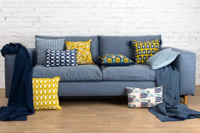 Как подобрать диванные подушки?