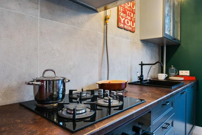 Как оформить кухню с газовой плитой?