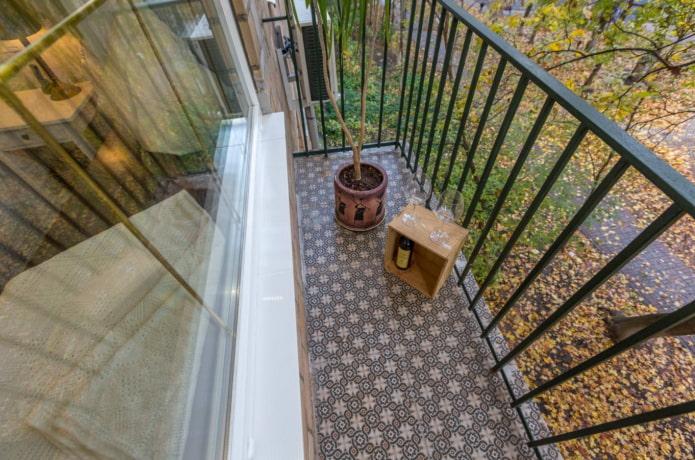 Какой пол положить на балконе?