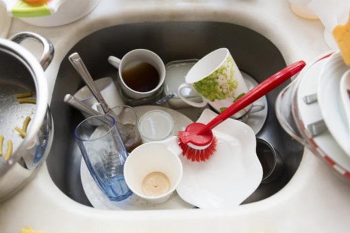 Простые правила мытья посуды, которые облегчат жизнь хозяйки