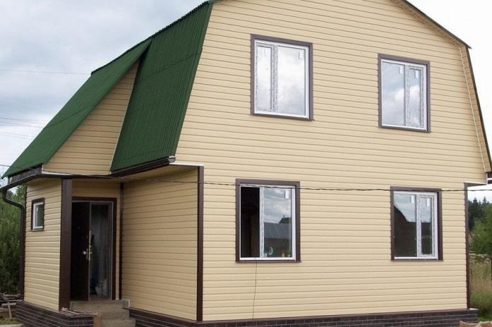 Какие материалы использовать для бюджетной отделки фасада?