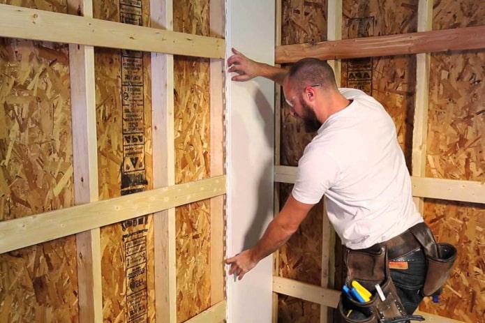 Как крепить ПВХ-панелей на стены или потолок?