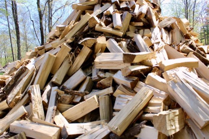 Как правильно сушить дрова?