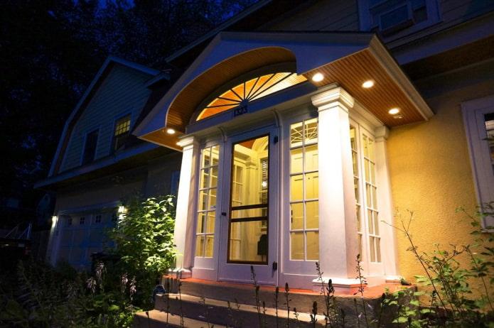 Тамбур в доме: плюсы и минусы