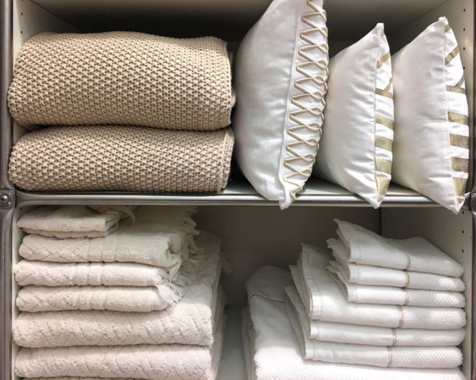 Как организовать хранение постельного белья?