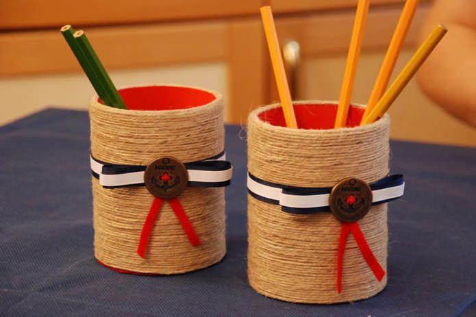 Как сделать карандашницу своими руками из картона?