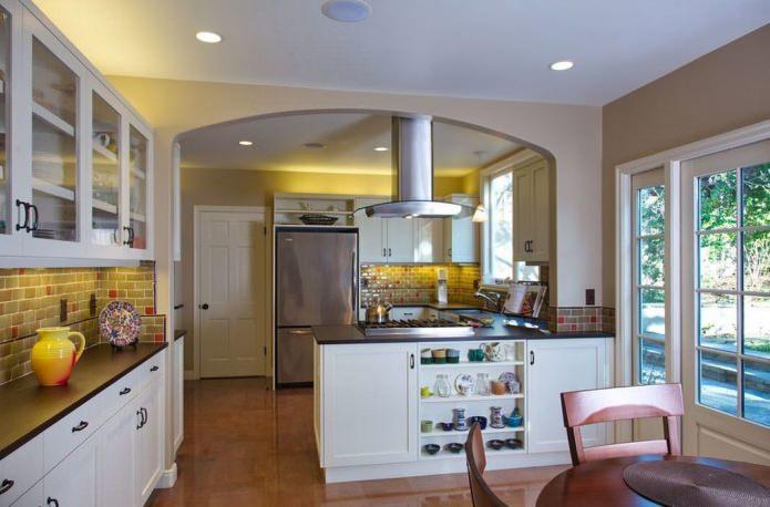 Кухня с аркой: особенности, фото