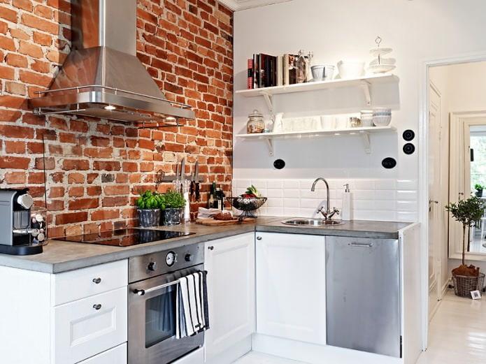 Кирпич в интерьере кухни: варианты использования, фото